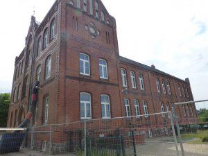Reuterschule Wismar und Anbau (Neubau) Hort mit Sporthalle